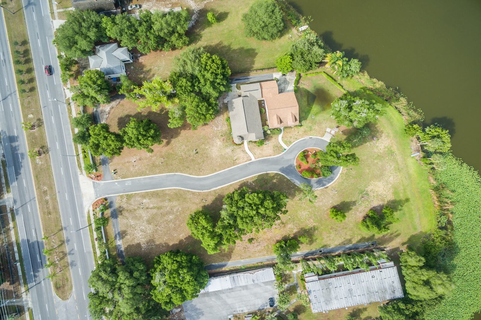 Aerial Cottages at Waters Edge2
