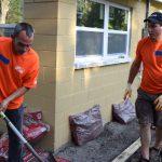 Home Depot volunteers working