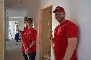 Wells Fargo volunteers
