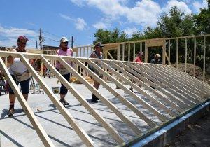 Eustis Site Women Build 2019 - wall raising