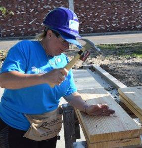 Eustis Site Women Build 2019 - hammering