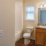 6714 Winkles bathroom