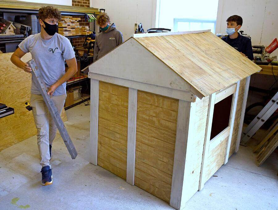 students working on playhouse for Jingle Build-Off 2020